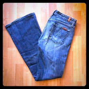 """7 for All Mankind """"A"""" Jean's Size 25"""